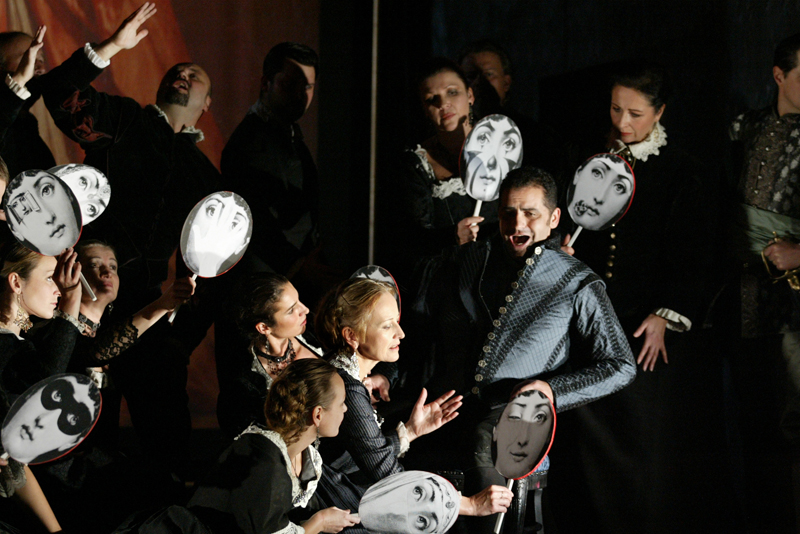 Wexford Festival Opera 2005  Photograph © Derek Speirs Ref: WFO 05 15