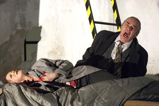 Rigoletto, Designed By Charles Edwards, Opera North, 2006, Photo © Richard Moran