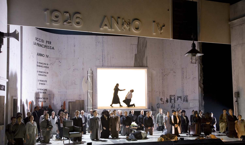 Turandot, Directed And Designed By Charles Edwards, De Nationale Reisopera, 2005, Photo © Marco Borggreve