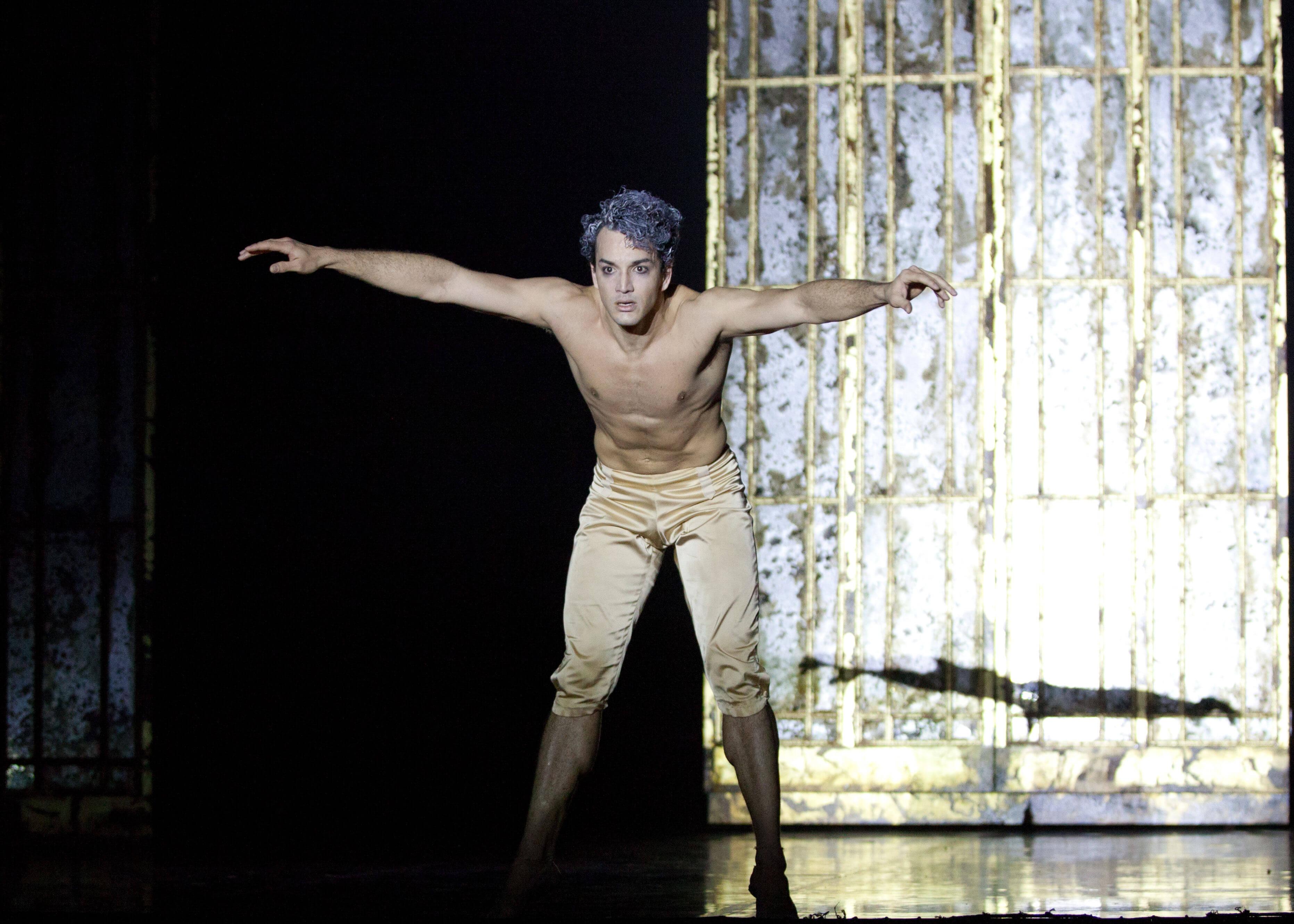 Javier Torres As Casanova In Casanova. Photo Caroline Holden (2)