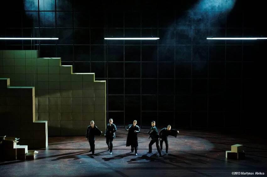 Carmen, Lithuanian National Opera And Ballet, Choreographer: Didy Veldman, Designer: Kimie Nakano (Photographer: Martymas Aleksa, 2014)